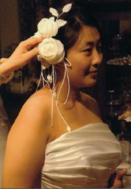 ヘッドの白いバラのアートフラワー
