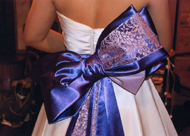 紫色のグラデーションのリボン