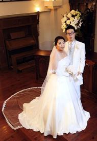 ウエディングドレスは上品に美しく、チェンジは明るく華やかに。