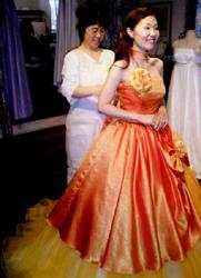 クイックチェンジのオーバードレスを合わせての確認。左のドレスと同じドレスなんですよ!